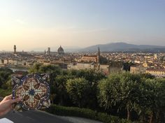 Vom Piazzale Michelangelo hat man einen tollen Blick auf Florenz und kann einen wunderschönen Sonnenuntergang erleben. Ein absoluter Reisetipp für alle, die nach Florenz fahren.