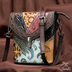 Spedizione Gratis Leather Crossbody Bag, Leather Handbags, Crossbody Bags, Leather Shoulder Bag, Shoulder Bags, Small Handbags, Luxury Bags, Small Bags, Wallets For Women