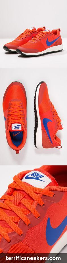 can't resist: orange Nike Sportswear Sneaker