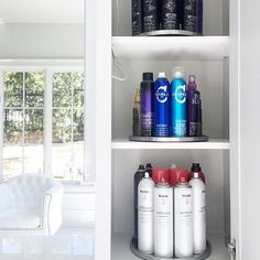 WEBSTA @ neatmethod - When it's Saturday night and your client has lots of hairspray, and a personal salon,  you give her some Lazy Susans to make sure she can see them all! 💁🏼 #livebeautifully #organization #goals