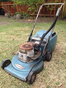 35 Best Vintage Lawn Mowers images in 2015 | Old tractors