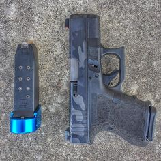 I don't carry my G26 as much as my Gen2 19 but I really enjoy shooting the 26. It's a subcompact gun but with the recoil impulse and balance of a mid size (imo). You obviously lose on round capacity and sight radius. But the @barracuda_tactical mag extensions plus up my spare mag and give some more surface area for my grip. This is a great setup (again imo) for when I need to go to a lower profile. Fueled by 147gr Speer Gold Dots of course.  #WiseMen #2a #edc #edcgear #everydaycarry #gunlife…