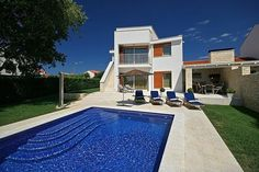 Villa Jasna  Moderne vakantievilla met privé zwembad en buitenkeuken op 1 km van het strand  EUR 1853.40  Meer informatie  #vakantie http://vakantienaar.eu - http://facebook.com/vakantienaar.eu - https://start.me/p/VRobeo/vakantie-pagina