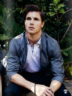 I raise your Stephen Amell with a Robbie Amell.