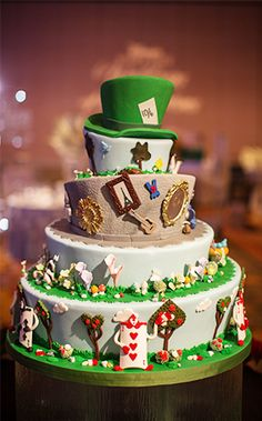 """We're completely """"mad"""" for today's Alice in Wonderland inspired cake"""