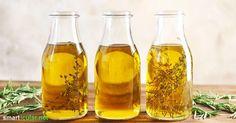 Mit gehaltvollen Kräuterölen kannst du Würz- und Wildkräuter kinderleicht konservieren und vielseitig verwenden. So kannst du die würzigen Öle selber machen