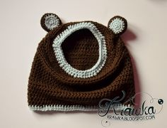 Krawka: Little bear - hooded cowl free crochet pattern. Brown bear with light blue ears, sooo cute and easy to make.
