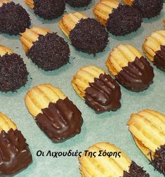 Πανεύκολα πτιφουράκια σήμερα χωρίς μίξερ! Είναι αφράτα τριφτά και πεντανόστιμα - Χρυσές Συνταγές Dessert Recipes, Desserts, Greek Recipes, Biscuits, Easter, Sweets, Homemade, Cookies, Chocolate