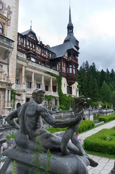 Today a historical monument, Peleş Castle is a Neo-Renaissance castle placed in an idyllic setting in the Carpathian Mountains, near Sinaia, in Prahova County, Romania