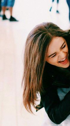 Wallpapers in the Space — The Vampire diaries Wallpapers Couple Wallpaper, Friends Wallpaper, Wallpaper S, Kissing Booth, Movie Couples, Cute Couples, Vampire Diaries Wallpaper, Joey King, Background Pictures