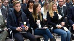 #Schumacher/#Schumi-#Familie(Rolf+Mick+GinaMaria+Corinna++)eröffnet #Ausstellung in #Marburg http://www.bild.de/sport/motorsport/michael-schumacher/familie-eroeffnet-ausstellung-in-marburg-44568946.bild.html