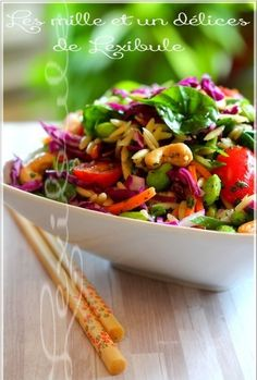 With the heat of the last days, we want to eat fresh and healthy! So here's a salad filled with flavors, which makes a change … Avec les canicules des derniers jours, on a envie de manger frais et santé! Lunch Recipes, Paleo Recipes, Asian Recipes, Cooking Recipes, Ethnic Recipes, Nutrition Drinks, Healthy Drinks, Nutrition Month, Ricardo Recipe