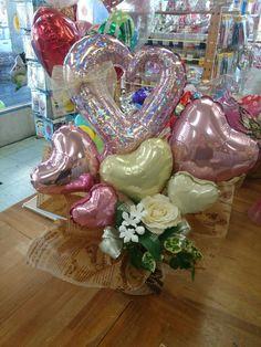 Valentines Balloons, Birthday Balloons, Valentine Crafts, Valentine Day Gifts, Chocolate Bouquet, Balloon Bouquet, Birthday Diy, Balloon Decorations, Diy Party
