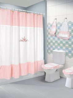 Bathroom Sets, Small Bathroom, Red And White Kitchen, Curtains And Draperies, Shabby Chic Pink, Bathroom Organisation, Bathroom Curtains, Chair Design, Decoration