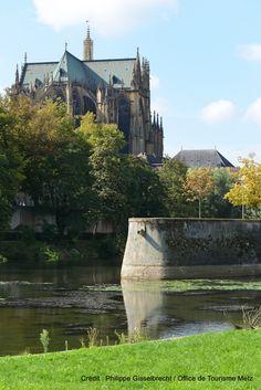 Au bord de la Moselle (6)   Découvrez la douceur de vivre à Metz en venant nous rendre visite :-) !