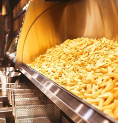 Frites Restaurant, Food Business Ideas, French Fries, Macaroni And Cheese, Chips, Menu, Yummy Food, Ethnic Recipes, Instagram