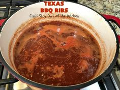 Delectable old-fashioned Texas barbecue-style ribs. These ribs are baked in the oven with sliced lemons and diced onions then slathered with a tasty barbecue sauce. This recipe is gluten free. Texas Bbq, Homemade Bbq, Spare Ribs, Bbq Ribs, Barbecue Sauce, Glutenfree, Chicken Recipes, Dinner Recipes, Pork