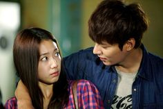 New stills of Park Shin Hye and Lee Min Ho as Cha Eun Sang and Kim Tan in The Heirs