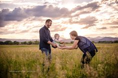 """#familyphoto #family #familyportrait Colorado Based Destination Photographer """"Like"""" Rosie Lema Photography page to see more. Website: www.rosie-lema.com Instagram: http://instagram.com/rosielemaphotography Pinterest: www.pinterest.com/rosieta2012"""