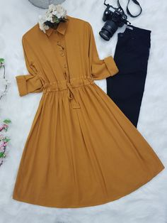 Stylish Dresses For Girls, Casual Dresses, Casual Outfits, Girls Dresses, Modesty Fashion, Hijab Fashion, Fashion Outfits, Fashion Clothes, New Kurti Designs