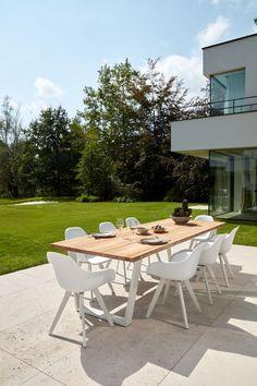 Pagino tuinset wit - tafelblad in teak - met 8 tuinstoelen - Overstock Garden Tuinmeubelen Outdoor Furniture Sets, Outdoor Decor, Lounges, Bristol, Teak, Parasol, Garden, Home Decor, Garten