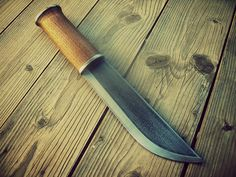leuku knife, oak handle