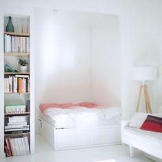 """1,065 tykkäystä, 10 kommenttia - Jenni Rotonen / Pupulandia (@jennipupulandia) Instagramissa: """"Say Hello to my bedroom! #myhome #newhome #bed #lovingit"""""""