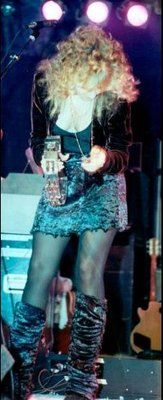 Stevie Nicks. Every time I see her in these legwarmers, I think her pants are down around her ankles. Ahh yess.