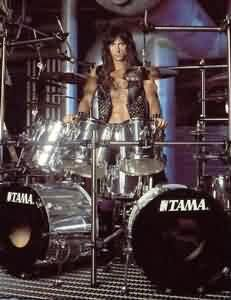 Scott Travis - Judas Priest but before that he was the drummer of a band called Racer X. Used to go watch Scott's band Hooker when I was in the Navy. Met up a few times later over the years Heavy Rock, Heavy Metal, Gi Joe, Vintage Drums, How To Play Drums, Tommy Lee, Judas Priest, Thrash Metal, Music Photo