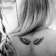 Petites ailes dans le dos