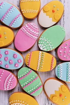 Discover our egg-cellent Easter biscuits recipe – a cracking holiday activity and a delicious treat for the family. Egg Biscuits, Easter Biscuits, Easter Table, Easter Eggs, Holiday Activities, Biscuit Recipe, Yummy Treats, Fun, Recipes