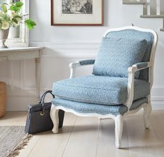 The perfect family-friendly chair with stain resistant fabric!