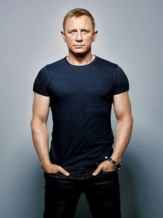 Daniel Craig Workout Routine and Diet: How to train like James Bond - daniel craig workout 1 - Daniel Craig James Bond, Daniel Craig Style, Rachel Weisz, Daniel Craig Workout, Tanzstudio Design, Daniel Graig, James Bond Style, Style Masculin, Hollywood Actor