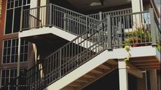 With a timeless look and a solid, true aluminum build, AFCO is the clear choice to seamlessly blend with any deck style. Stair Railing Kits, Metal Deck Railing, Deck Railing Systems, Stair Angle, Aluminum Decking, Deck Posts, Rooftop Deck, Deck Lighting, Deck Design