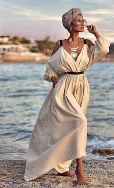Wanna look more feminine like Rita Tesla? Then invest in these three types of dresses every woman must have in her wardrobe. You'll look great! Mode Outfits, Fashion Outfits, Elegant Dresses For Women, Russian Fashion, Types Of Dresses, Casual Summer Dresses, Chic Dress, Turban, Street Style