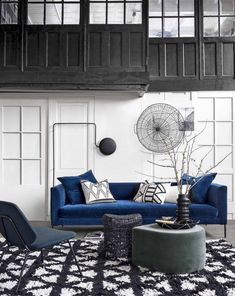 How To Quickly And Easily Create A Living Room Furniture Layout? Furniture Layout, Living Room Furniture, Living Room Decor, Deco Studio, Black And White Interior, Elegant Living Room, Living Room Inspiration, Inspiration Design, Luxury Furniture