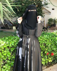 Hijab Style Dress, Hijab Wedding Dresses, Muslim Women Fashion, Womens Fashion, Niqab Fashion, Hijab Niqab, Girl Hijab, Muslim Girls, Beautiful Hijab