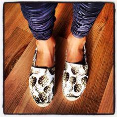 12f5e7e5dba1 womens shoes  soludos pineapple print espadrilles