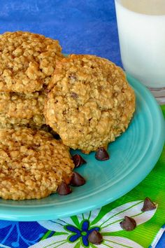 "Chewy Oatmeal Cookies I | ""These are the yummiest cookies ever! They taste like Mrs. Fields cookies."" #cookies #cookierecipes #bakingrecipes #dessertrecipes #cookieideas"