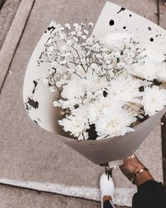 Image shared by 𝓛𝓮𝔁𝓲 ♣. Find images and videos about flowers and rose on We Heart It - the app to get lost in what you love.