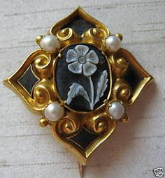 gilt floral cameo mourning brooch  1828