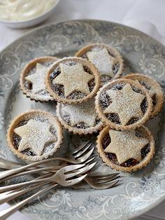 christmas foods, tart, minc pie, mince pies, star, fruit pies, mini pies, christma pie, cooking tips