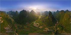 Montañas de Kuilin - China. Relieve karstico en torres, un macizo kárstico muy erosionado.