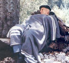 Pope John Paul II taking a nap... Like a boss!