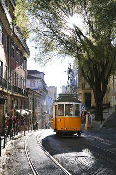 Lisboa, Portugal - via Condé Nast Traveler España Places In Europe, Places To Travel, Places To Visit, Visit Portugal, Portugal Travel, Wonderful Places, Beautiful Places, Foto Picture, Magic Places