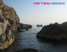 Una mattina presto, un giretto in barca ai piedi del Santuari di Tindari!