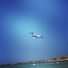 C'è chi viene e c'è chi va. #Cinisi è #PortaDellaSicilia  #sicilia #summer #itinerari #palermo #magaggiari
