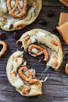 Salted Caramel Pretzel Chocolate Chip Cookie Recipe on twopeasandtheirpod.com Chocolate chip cookies with salted caramel, pretzels, and sea salt! The sweet and salty combo is perfection!