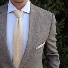 Brown cream blue combo inspiration with a plaid blazer knit tie and linen pocket square #menswear #menstyle #fashion #knittie #plaid #mensfashion