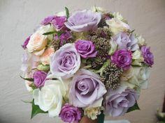 Menyasszonyi csokor lila színben
